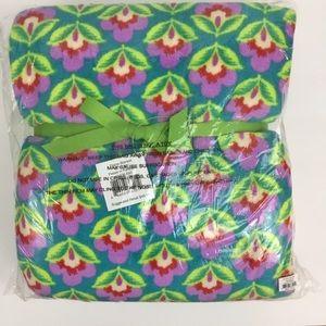 Vera Bradley Throw Blanket Petals in Paradise NEW